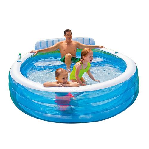 حوض السباحة العائلي